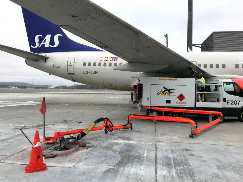 Airline SAS traffic tumbles 62% in March as pandemic hits