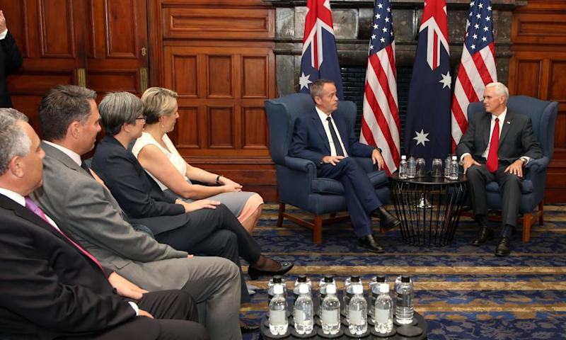 US Vice President Mike Pence (R) meets with Australian opposition leader Bill Shorten (C) in Sydney on April 22, 2017.