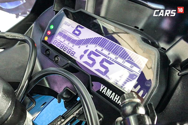 Yamaha-R15-V3.0-First-Ride-Review-Instrument-Cluster