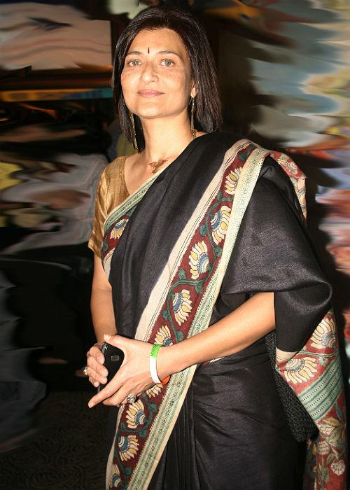 <b>2. Sarika</b><br><br>Sarika was also involved with a married man- Kamal Hassan, and got pregnant with his child. Hassan was then married to Vani Ganapathy who took strong exception to their illicit affair. Irrespective of the state of their relationship, Sarika went ahead and gave birth to the lovechild, Shruthi Hassan. The two got married later on only to separate equally soon.