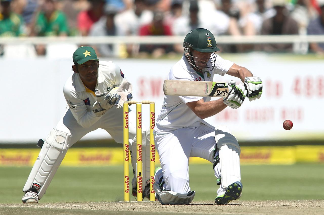 CAPE TOWN, SOUTH AFRICA - FEBRUARY 16:  AB de Villiers of South Africa attempts to sweep a delivery during day 3 of the 2nd Sunfoil Test match between South Africa and Pakistan at Sahara Park Newlands on February 16, 2013 in Cape Town, South Africa. (Photo by Shaun Roy/Gallo Images/Getty Images)