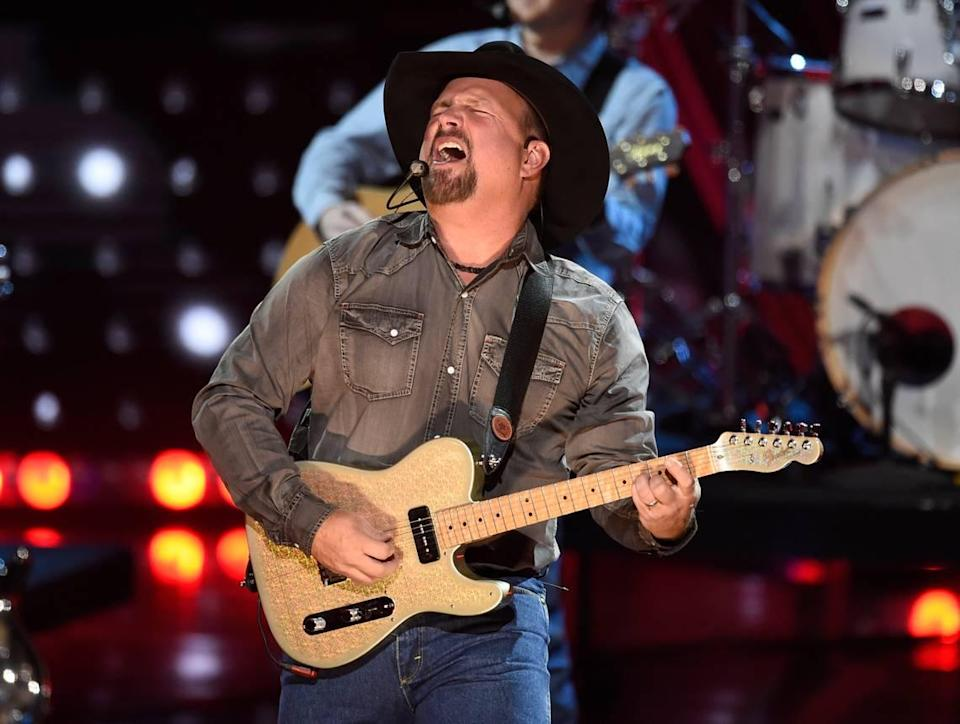 Garth Brooks will perform before an expected record crowd Aug. 7 at Arrowhead Stadium.