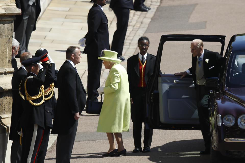 Queen arrives at Windsor for Harry and Meghan's wedding.