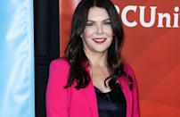 'Gilmore Girls' star Lauren Graham and 'Six Feet Under' actor Peter Krause have been in a relationship for over two decades but have not become husband and wife officially. The couple has lived in Los Angeles and fans are able to spot them at red carpet events every once in a while.