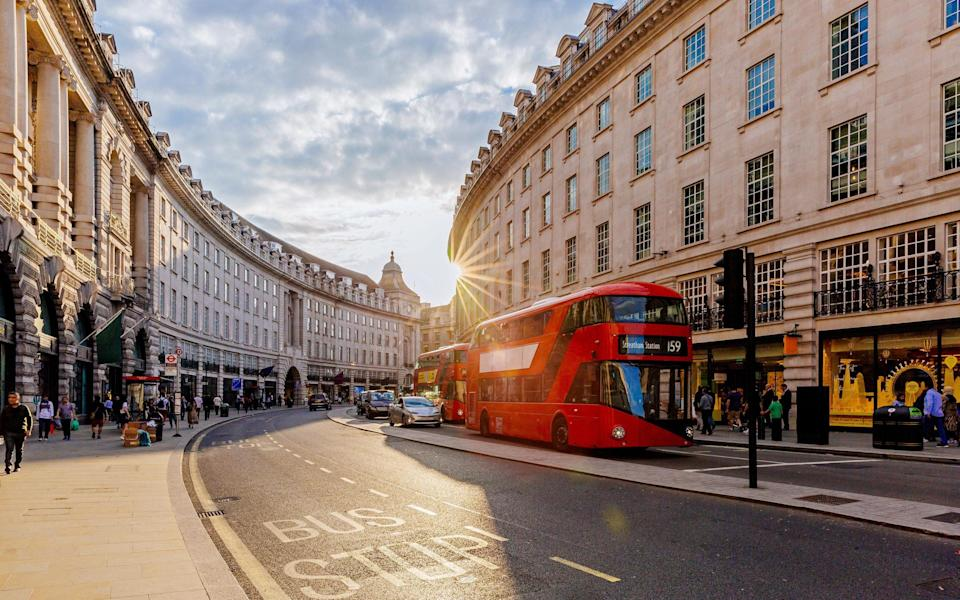London Regents Street shopping - Getty Images