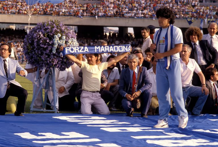 Unforgettable: the day Diego Armando Maradona performed & # xf3;  at the Stadio San Paolo -now renamed with his name- before 80,000 tifosi del N & # xe1; poles, on July 5, 1984