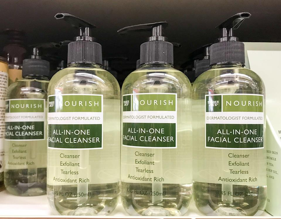 <p>All-in-One Facial Cleanser is here to save us time, and for that, we are grateful. This wash will bathe your face in antioxidants without drying it out, all in . . . you guessed it . . . one shot.</p>