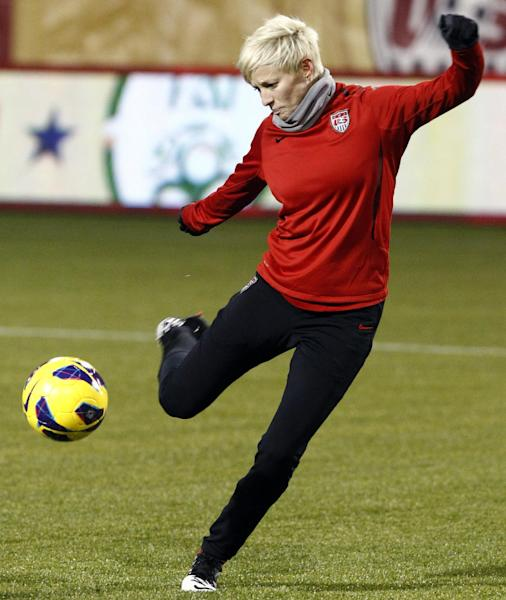 United States midfielder Megan Rapinoe shoots on goal during national team soccer practice, Tuesday, Nov. 27, 2012, in Portland, Ore. The United States is scheduled to play Ireland Wednesday in an exhibition match. (AP Photo/Don Ryan)