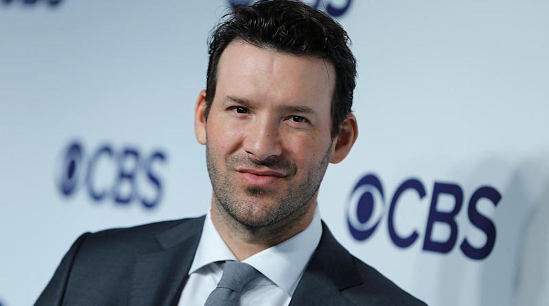 Tony Romo Predicts Plays Before They Happen During Raiders-Titans Game