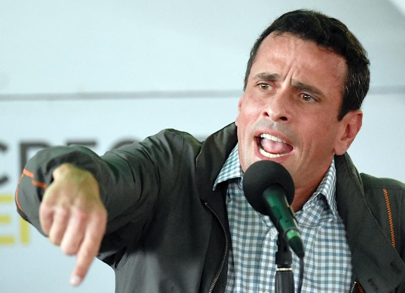 Venezuelan opposition leader and Miranda State governor Henrique Capriles Radonski speaks during a meeting with supporters in Caracas February 17, 2016