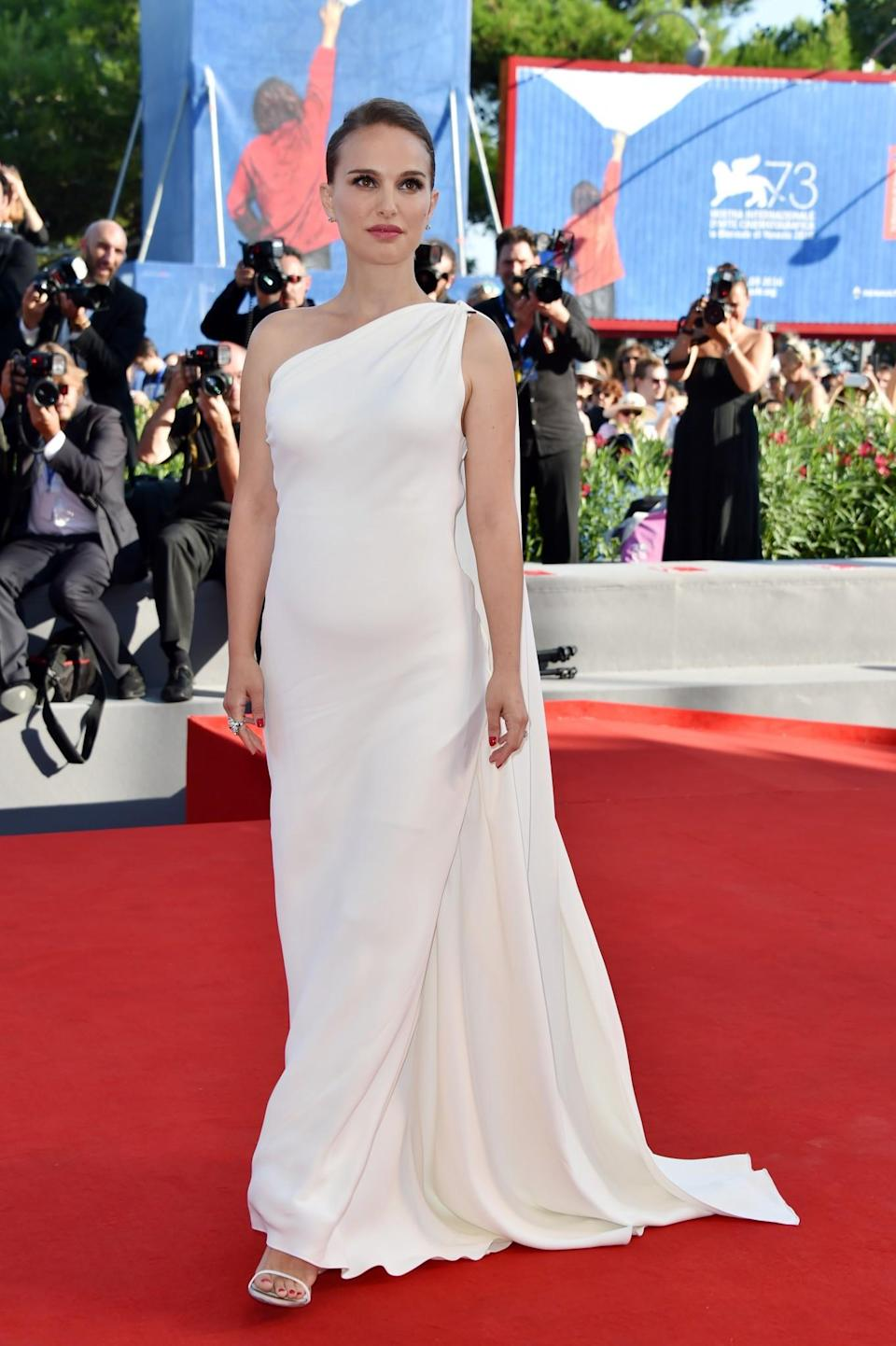 <p>Alternatively, when you're ready to show off your status loud and proud, don a pure white look to reveal all. <i>[Photo: Getty]</i> </p>