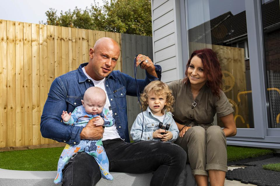 Dad Dan saved his wife and newborn after clamping the cord with his shoelace [Photo: SWNS]