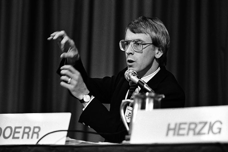 John Doerr, from Kleiner, Perkins, Caufield, & Byers, speaks at the annual PC Forum, Phoenix, Arizona, February 5-8, 1984   Ann E. Yow-Dyson—Getty Images