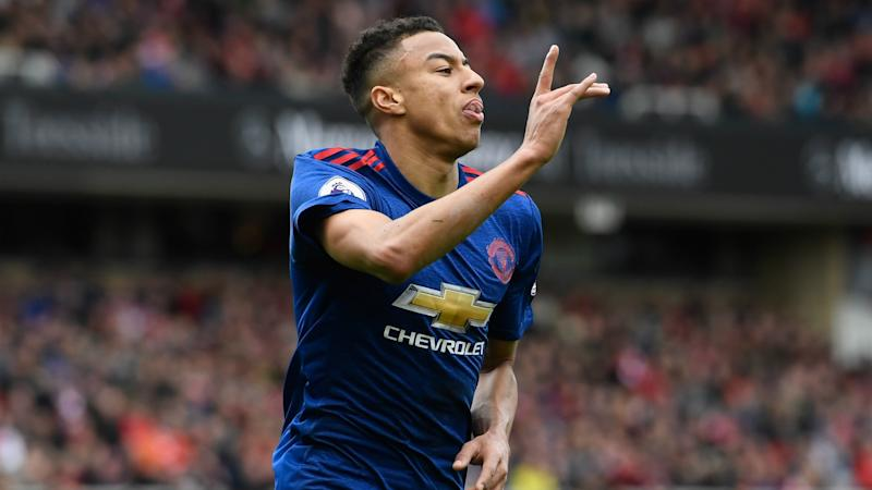 Lingard signs new Manchester United contract