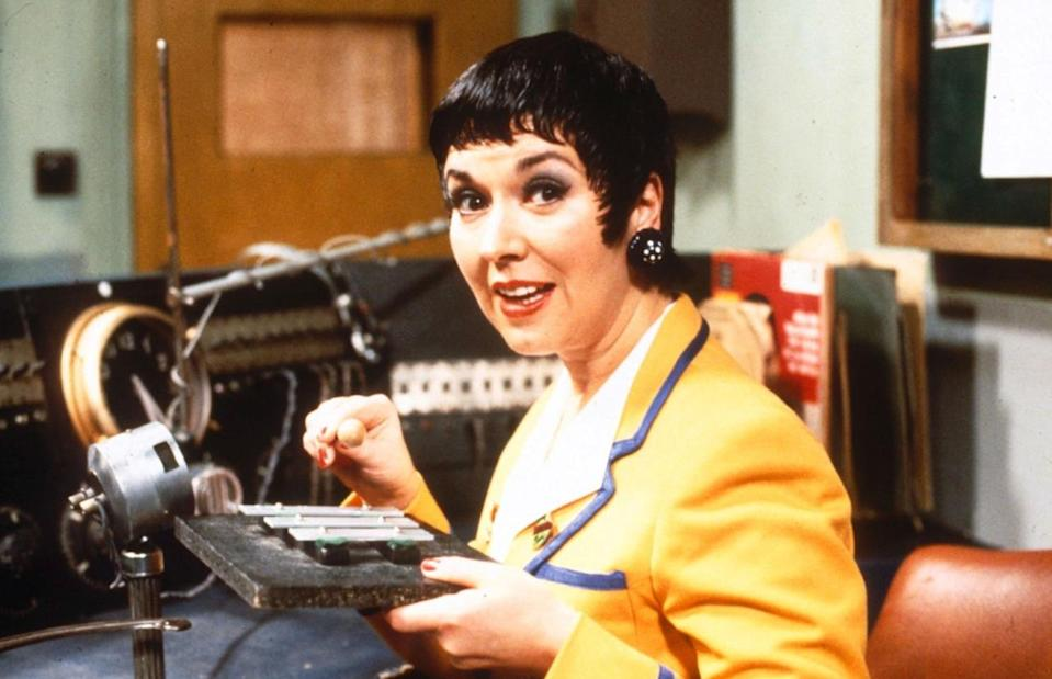 <p>Morning campers! Get 'Hi-de-Hi' star Ruth for a blast from the past.</p>