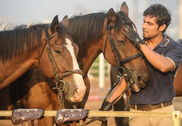 Randeep Hooda: He is a horse rider and a well known polo player.