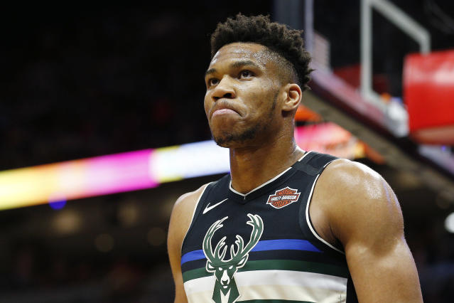 """It was a tough night for <a class=""""link rapid-noclick-resp"""" href=""""/nba/players/5185/"""" data-ylk=""""slk:Giannis Antetokounmpo"""">Giannis Antetokounmpo</a> against the Heat. (Photo by Michael Reaves/Getty Images)"""