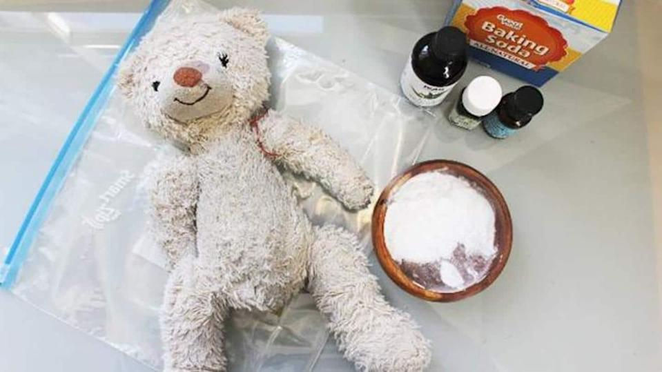 Know these tips to clean soft toys of your kids