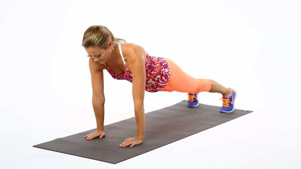 <ul> <li>Start resting on all fours.</li> <li>With your palms flat, raise up off your knees onto your toes. Keep your hands directly below your shoulders.</li> <li>Draw your belly button in toward your spine to prevent your hips from sticking up. </li> <li>With your head and spine in line, keep your back flat, and don't let it round up.</li> </ul>