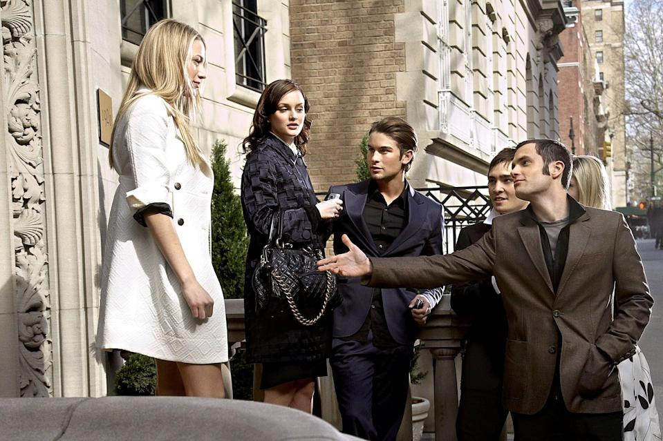 GOSSIP GIRL,  Blake Lively, Leighton Meester, Chace Crawford, Ed Westwick, Penn Badgley, (Season 1, 2007), 2007-,.  THE CW / courtesy everett collection