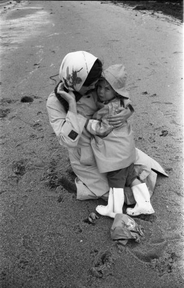 <p>Jackie Kennedy with her daughter Caroline on the beach in Hyannis Port.</p>