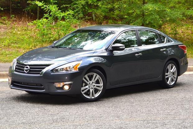 """<p style=""""text-align:right;"""">  <b><a href=""""https://ca.autos.yahoo.com/nissan/altima/2013/"""" target=""""_blank"""">2013 Nissan Altima 4dr Sdn I4 CVT 2.5 S</a></b><br>  <b>TOTAL SAVINGS $3,217</b><br>  <a href=""""https://www.unhaggle.com/yahoo/"""" target=""""_blank""""><img src=""""https://www.unhaggle.com/static/uploads/logo.png""""></a>  <a href=""""https://www.unhaggle.com/dealer-cost/report/form/?year=2013&make=Nissan&model=Altima&style_id=353203"""" target=""""_blank""""><img src=""""https://www.unhaggle.com/static/uploads/getthisdeal.png""""></a><br>  </p>  <div style=""""text-align:right;"""">  <br><b>Manufacturer Suggested Retail Price</b>:  <b>$24,898</b>  <br><br><a href=""""https://www.unhaggle.com/Nissan/Altima/2013/Incentives/"""" target=""""_blank"""">Nissan Canada Incentive</a>*: $2,000  <br>Unhaggle Savings: $1,217  <br><b>Total Savings: $3,217</b>  <br><br>Mandatory Fees (Freight, Govt. Fees): $1,830  <br><b>Total Before Tax: $23,511</b>  </div>  <br><br><p style=""""font-size:85%;color:#777;"""">  * Manufacturer incentive displayed is for cash purchases and may differ if leasing or financing. For more information on purchasing any of these vehicles or others, please visit <a href=""""http://www.unhaggle.com"""" target=""""_blank"""">Unhaggle.com</a>. While data is accurate at time of publication, pricing and incentives may be updated or discontinued by individual dealers or manufacturers at any time. Vehicle availability is also subject to change based on market conditions. Unhaggle Savings is a proprietary estimate of expected discount in addition to manufacturer incentive based on actual savings by Unhaggle customers  </p>"""