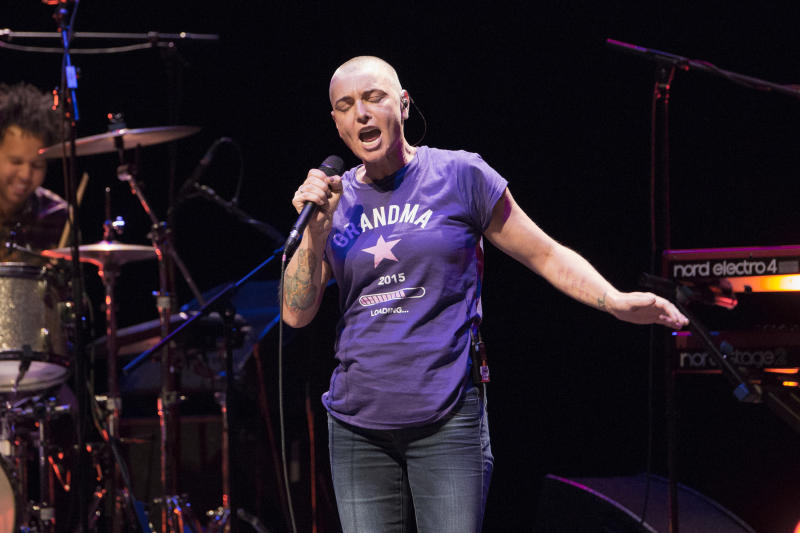 LONDON, ENGLAND - APRIL 13: Sinead O'Connor performs on stage at Barbican Centre on April 13, 2015 in London, United Kingdom (Photo by Rob Ball/Redferns via Getty Images)
