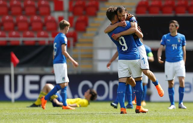Soccer Football - UEFA European Under-17 Championship Quarter-Final - Italy vs Sweden - New York Stadium, Rotherham, Britain - May 13, 2018 Italy's Alessio Riccardi and Edoardo Vergani celebrate after the game Action Images via Reuters/Ed Sykes