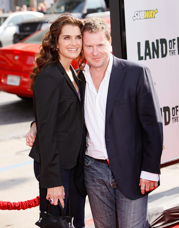 """<a href=""""http://movies.yahoo.com/movie/contributor/1800014914"""">Brooke Shields</a> and husband <a href=""""http://movies.yahoo.com/movie/contributor/1809033478"""">Chris Henchy</a> at the Los Angeles premiere of <a href=""""http://movies.yahoo.com/movie/1809953162/info"""">Land of the Lost</a> - 05/30/2009"""