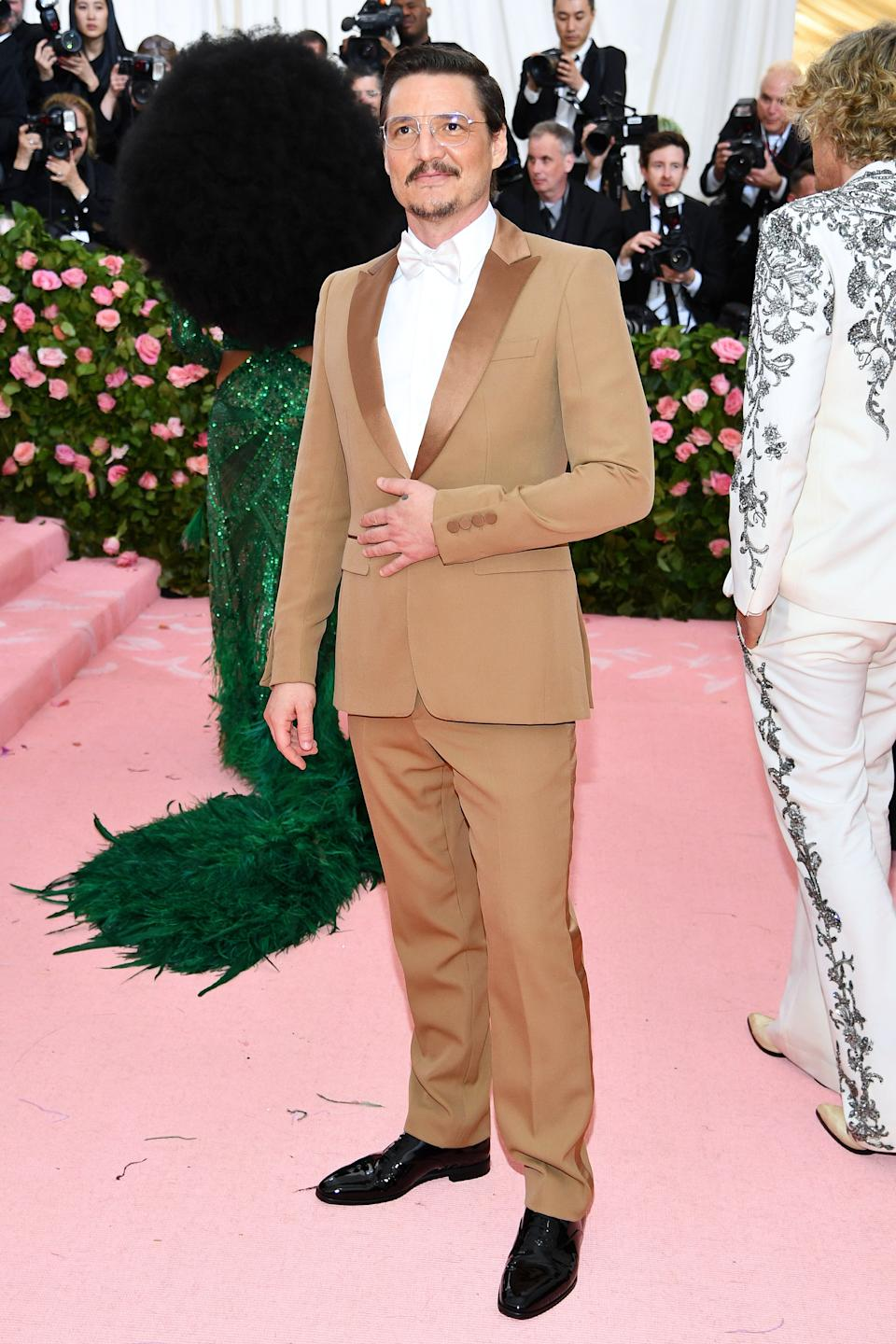 """<h1 class=""""title"""">Pedro Pascal in Burberry</h1><cite class=""""credit"""">Photo: Getty Images</cite>"""