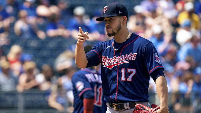 KANSAS CITY, MO - JUNE 5: Jose Berrios #17 of the Minnesota Twins prepares to play against the Kansas City Royals in the first half at Kauffman Stadium on June 5, 2021 in Kansas City, Missouri.  (Photo by Kyle Rivas/Getty Images)