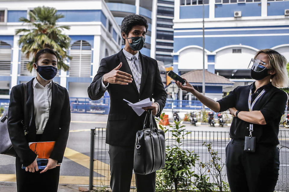 Lawyer Rajsurian Pillai speaks to reporters outside IPD Dang Wangi, July 18, 2020. — Picture by Hari Anggara