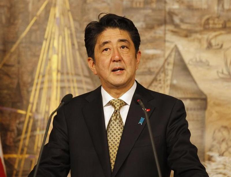 Japanese Prime Minister Shinzo Abe talks during a news conference after his meeting with Turkey's Prime Minister Tayyip Erdogan in Istanbul