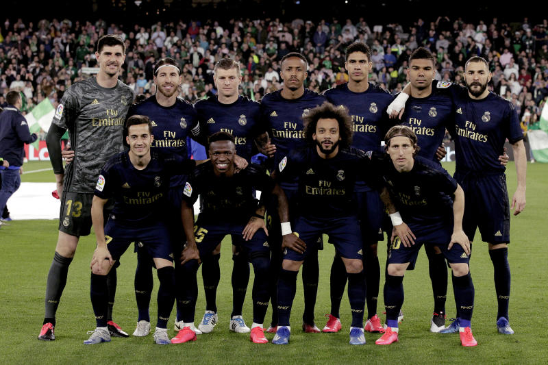 SEVILLA, SPAIN - MARCH 8: Back row: (L-R) Courtois of Real Madrid, Sergio Ramos of Real Madrid, Toni Kroos of Real Madrid, Eder Militao of Real Madrid, Raphael Varane of Real Madrid, Casemiro of Real Madrid, Karim Benzema of Real Madrid Front row: (L-R) Lucas Vazquez of Real Madrid, Vinicius Jr. of Real Madrid, Marcelo of Real Madrid, Luka Modric of Real Madrid during the La Liga Santander match between Real Betis Sevilla v Real Madrid at the Estadio Benito Villamarin on March 8, 2020 in Sevilla Spain (Photo by David S. Bustamante/Soccrates/Getty Images)