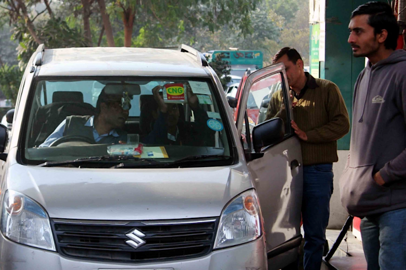 Supreme Court Allows CNG, Petrol Vehicles to be Registered as Cabs in Delhi