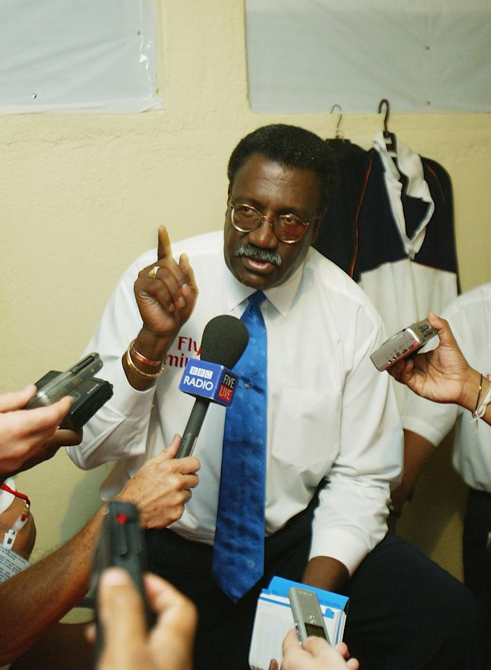 KANDY, SRI LANKA - DECEMBER 11:  Match referee Clive Lloyd has a talk to journalists regarding Nasser Hussain of England during the second day of the Second Test between Sri Lanka and England at the Asigiriya Stadium, on December 11 2003 in Kandy, Sri Lanka. (Photo by Tom Shaw/Getty Images)