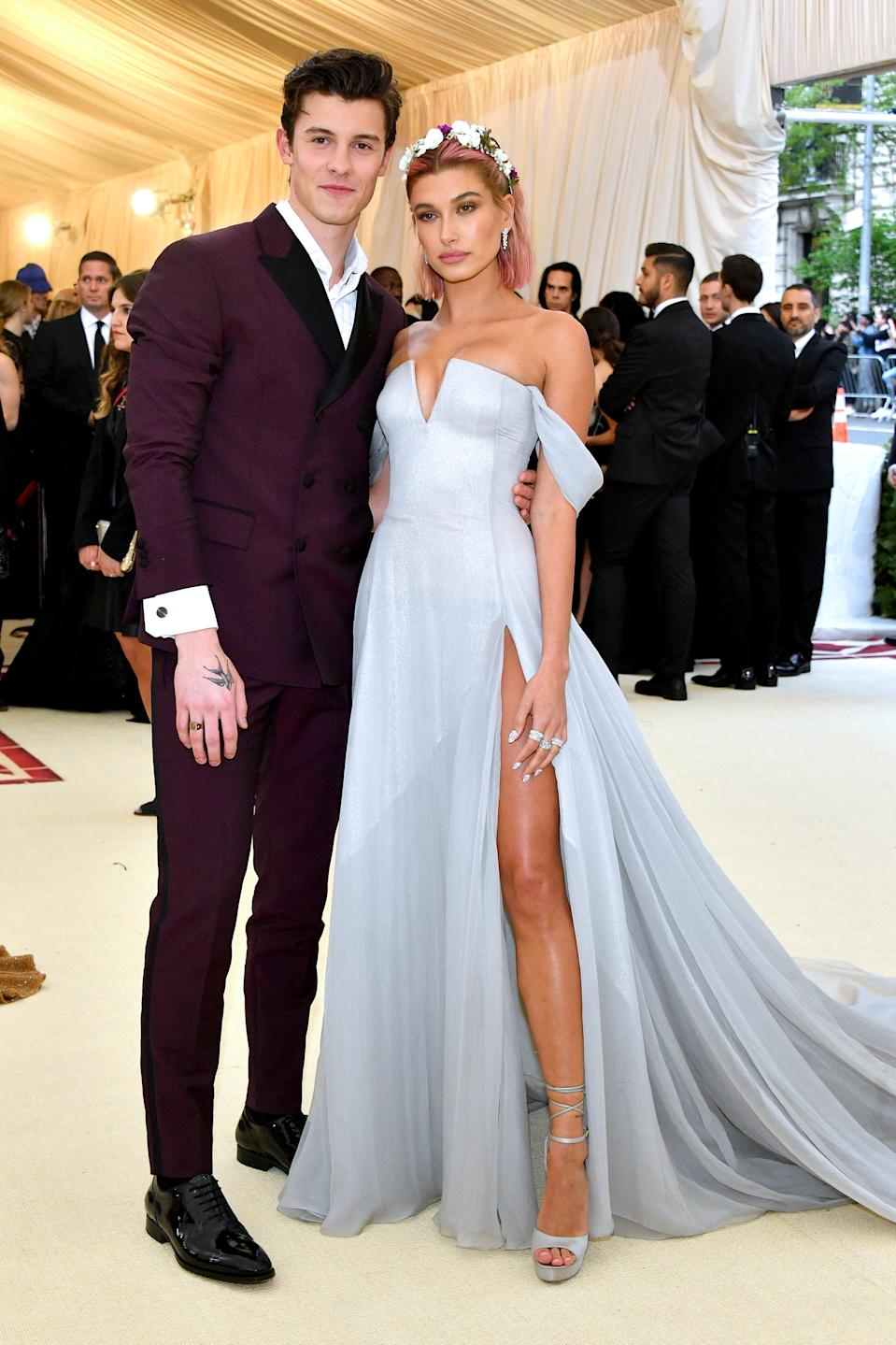 """<h1 class=""""title"""">Shawn Mendes in Tommy Hilfiger and Hailey Baldwin in Tommy Hilfiger, Tiffany & Co. jewelry, and Jimmy Choo shoes.</h1><cite class=""""credit"""">Photo: Getty Images</cite>"""