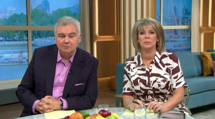 Eamonn Holmes and Ruth Langsford presented an anxiety phone-in during today's episode of 'This Morning'. (Credit: ITV)