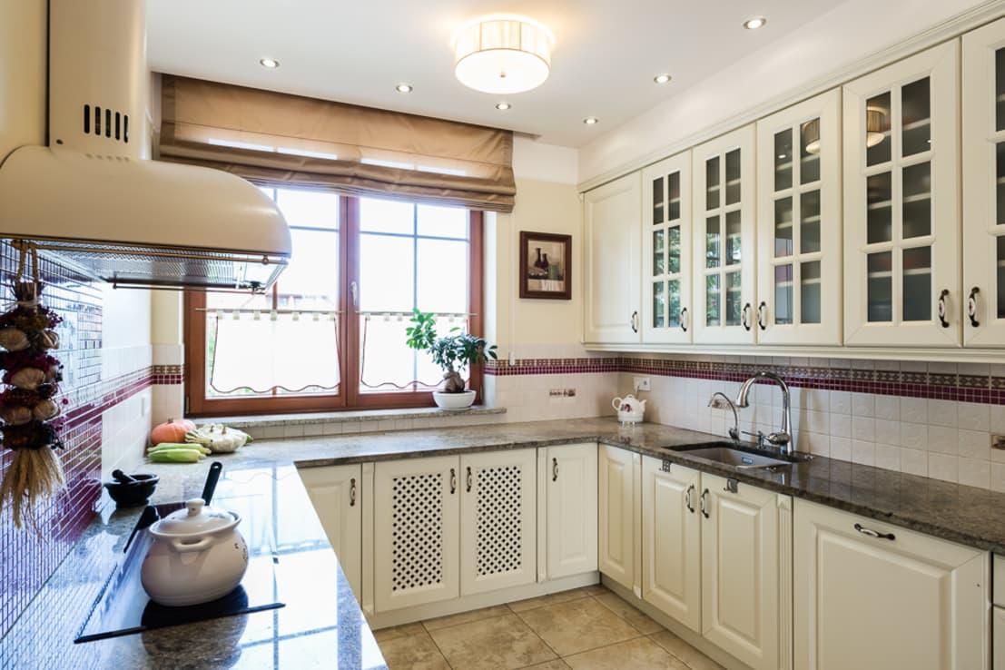 "<p>In the case of <a rel=""nofollow"" href=""https://www.homify.co.uk/rooms/kitchen"">kitchens</a>, it is a matter of space, which should be as bright and wide as possible. Spot lighting models or a central room lamp mean that the work area is very limited and the spatial potential of the kitchen cannot be fully exploited. A well thought-out ceiling design can have a positive effect here.</p><p>Without having to opt for merely a central ceiling lamp, additional luminaries can be installed in the ceiling. If, in the context of the ceiling design, the distribution of the lighting focuses on the working surfaces, you will benefit from a lot of light and little shadows that could affect the working space.</p>  Credits: homify / Gzowska&Ossowska Pracownie Architektury Wnętrz"