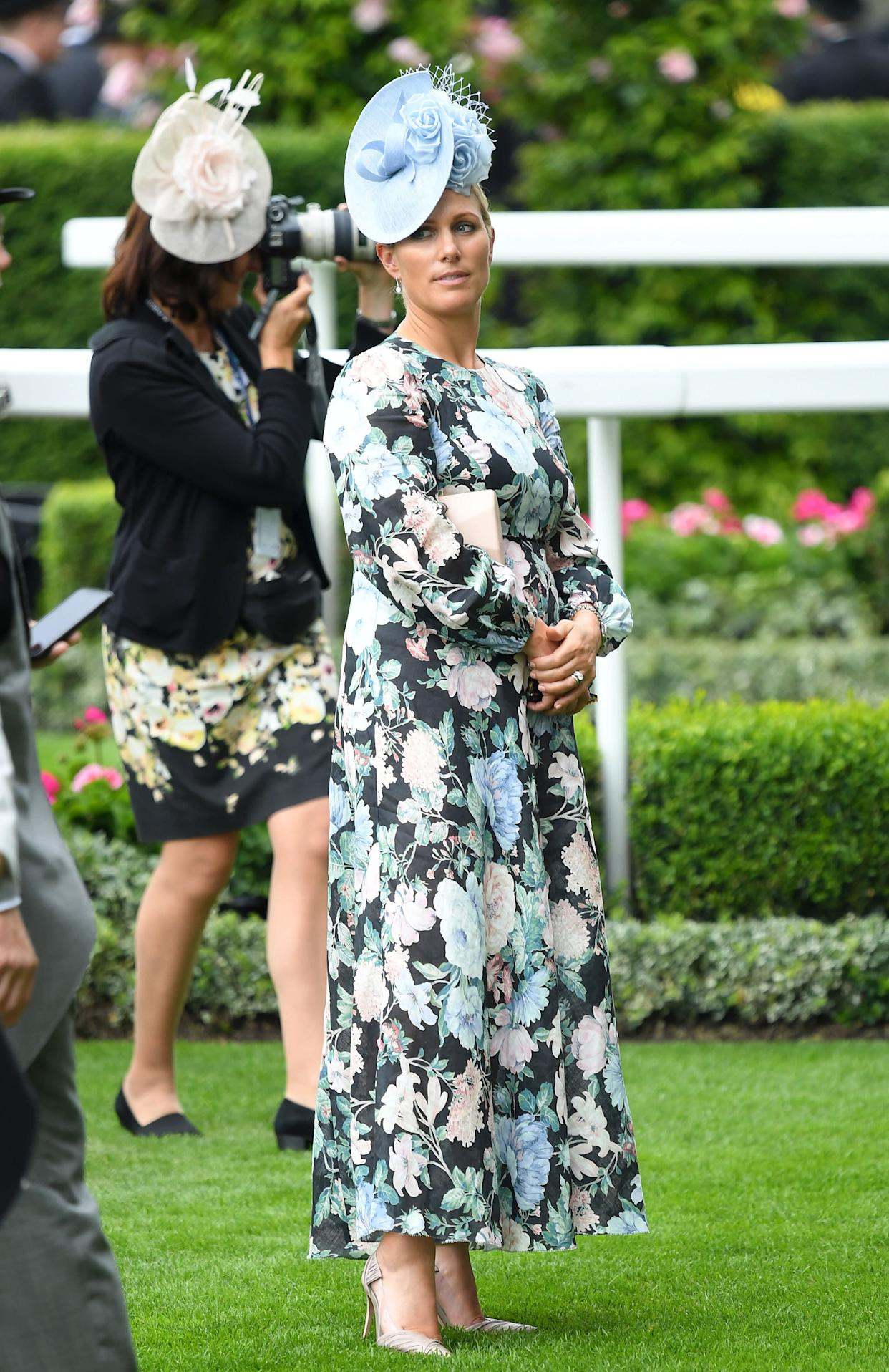 Zara Phillips in a blue hat and blue and pink floral design. (Photo: Karwai Tang via Getty Images)