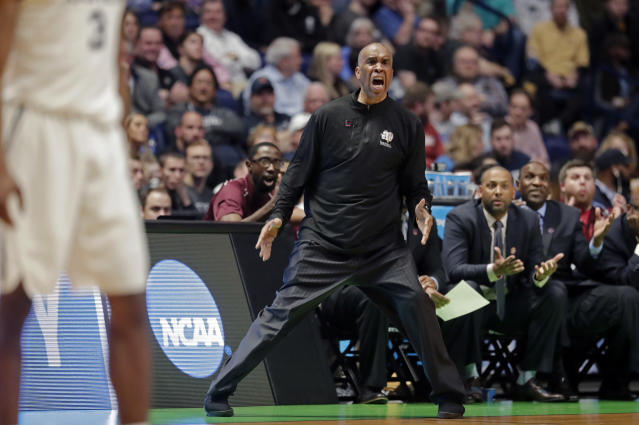 Texas Southern head coach Mike Davis, who competed in four NCAA Tournaments at Texas Southern, was hired Tuesday by Detroit. (AP Photo)