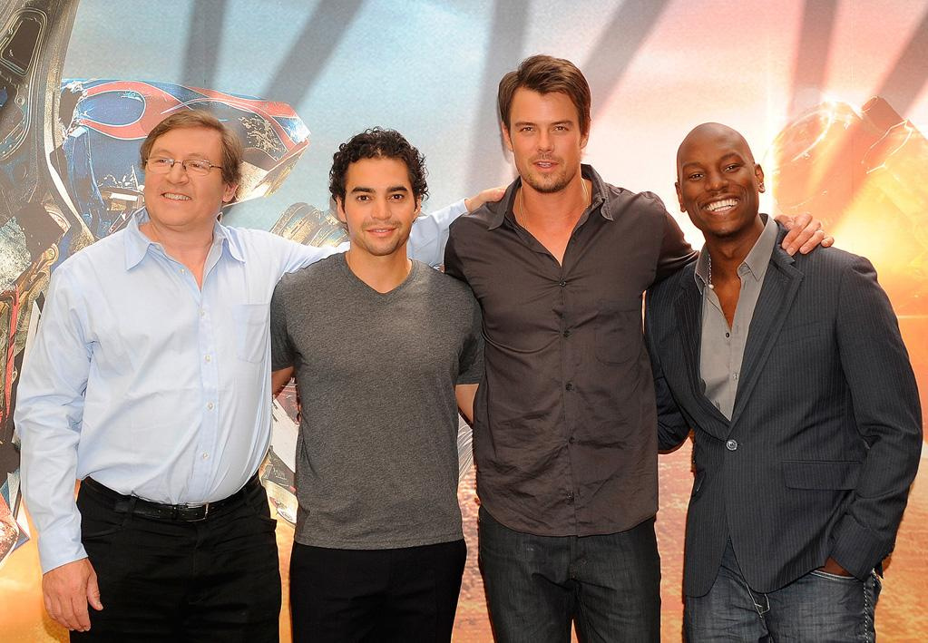 """<a href=""""http://movies.yahoo.com/movie/contributor/1808649302"""">Lorenzo Di Bonaventura</a>, <a href=""""http://movies.yahoo.com/movie/contributor/1802755871"""">Ramon Rodriguez</a>, <a href=""""http://movies.yahoo.com/movie/contributor/1804581818"""">Josh Duhamel</a> and <a href=""""http://movies.yahoo.com/movie/contributor/1804500453"""">Tyrese Gibson</a> at the Madrid photocall for <a href=""""http://movies.yahoo.com/movie/1809943432/info"""">Transformers: Revenge of the Fallen</a> - 06/12/2009"""