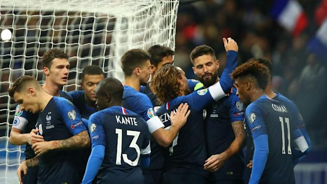 Didier Deschamps' half-time team talk was key to France's Euro 2020 qualifying win over Moldova, say Olivier Giroud and Antoine Griezmann.