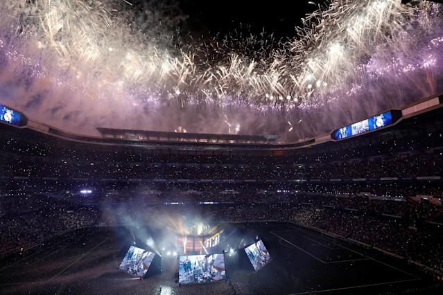Soccer Football - Real Madrid celebrate winning the Champions League Final - Santiago Bernabeu, Madrid, Spain - May 27, 2018 General view during the victory celebrations REUTERS/Javier Barbancho