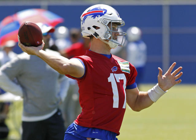 Buffalo Bills rookie quarterback Josh Allen (17) makes a pass during the team's NFL football minicamp in Orchard Park, N.Y., Thursday, June 14, 2018. (AP Photo/Jeffrey T. Barnes)