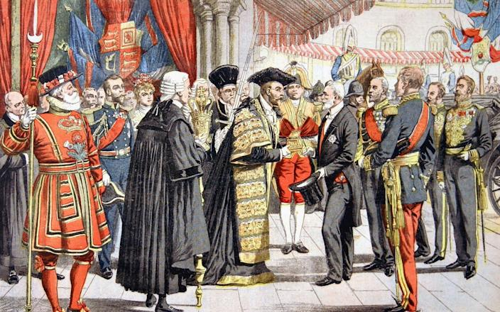 This 1903 illustration shows the Lord Mayor of London presenting President Loubet of France with the coffin - INTERFOTO / Alamy Stock Photo