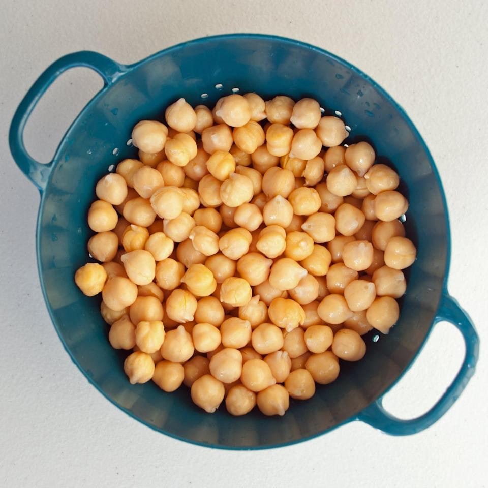 """<p>Chickpeas and apples may be a dieter's best friends. Chickpeas have been found to <a href=""""https://www.popsugar.com/fitness/Chickpeas-Help-Weight-Loss-7847446"""" class=""""link rapid-noclick-resp"""" rel=""""nofollow noopener"""" target=""""_blank"""" data-ylk=""""slk:help dieters break bad snacking habits"""">help dieters break bad snacking habits</a>, and one study found an association with <a href=""""http://pubmed.ncbi.nlm.nih.gov/12620529/"""" class=""""link rapid-noclick-resp"""" rel=""""nofollow noopener"""" target=""""_blank"""" data-ylk=""""slk:eating apples or pears and weight loss in women"""">eating apples or pears and weight loss in women</a>. </p> <p><strong>Related:</strong> <a href=""""https://www.popsugar.com/fitness/Kitchen-Weight-Loss-Tips-18543636"""" class=""""link rapid-noclick-resp"""" rel=""""nofollow noopener"""" target=""""_blank"""" data-ylk=""""slk:Do These 10 Things in Your Kitchen to Lose Weight"""">Do These 10 Things in Your Kitchen to Lose Weight</a></p>"""