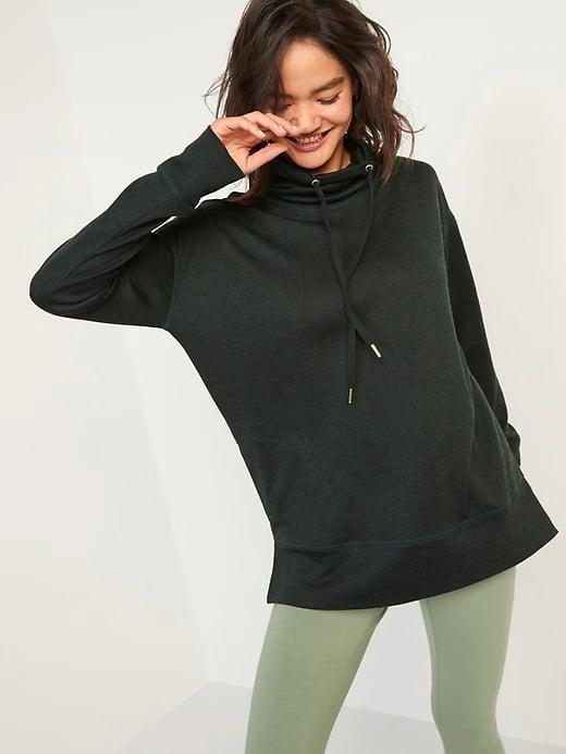 <p>Yes, all six colors of this <span>Old Navy Cowl-Neck Mélange Tunic Sweater</span> ($40) have pockets so it makes an easy swap for a light jacket or hoodie on milder days. </p>