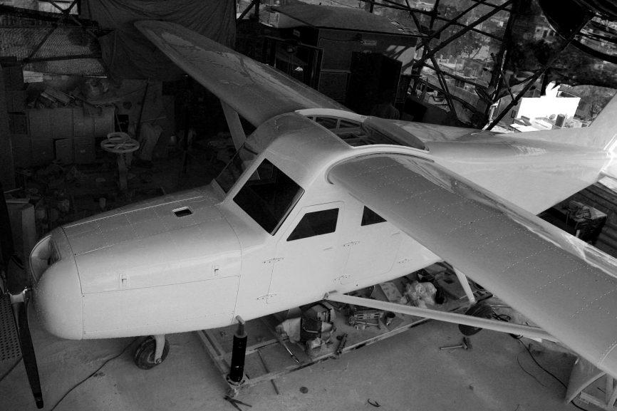 The incredible story of how man built an aircraft on the terrace of his building