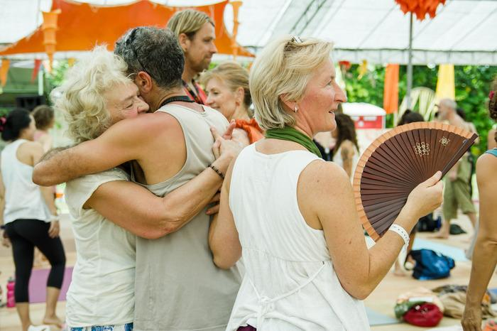 Friendly community: People who come to Ubud to practice yoga are the good ones who turned the community into a great bunch of friendly group. (